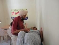 medical-camp-gurmat-parsar-10
